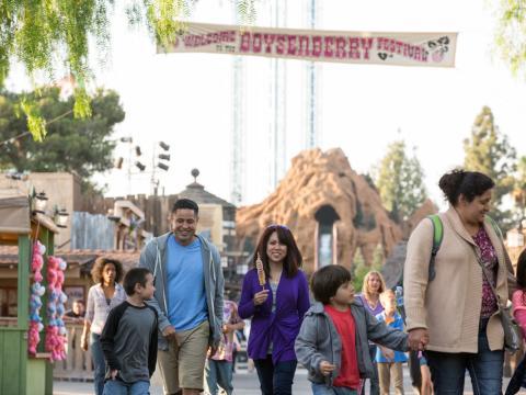 A family enjoys Knott's Boysenberry Festival