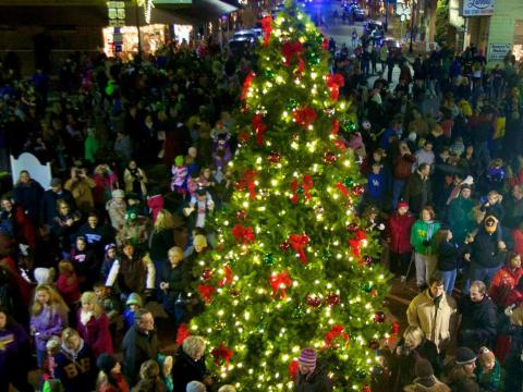 A festive tree during the holiday season in Bardstown, Kentucky
